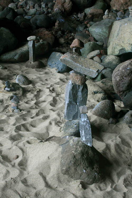 kalalaubeach-rock-garden-piles.jpg