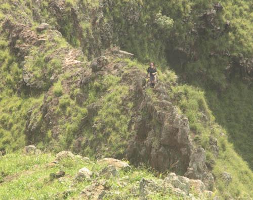 kamaileunu-ridge-dike-crossing-arnold.jpg