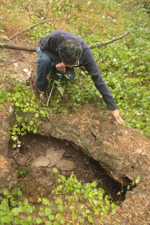 kalaeloa-sinkhole-5.jpg