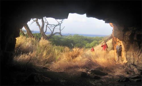 Kamaileunu-Kukaauau-Cave-Sml