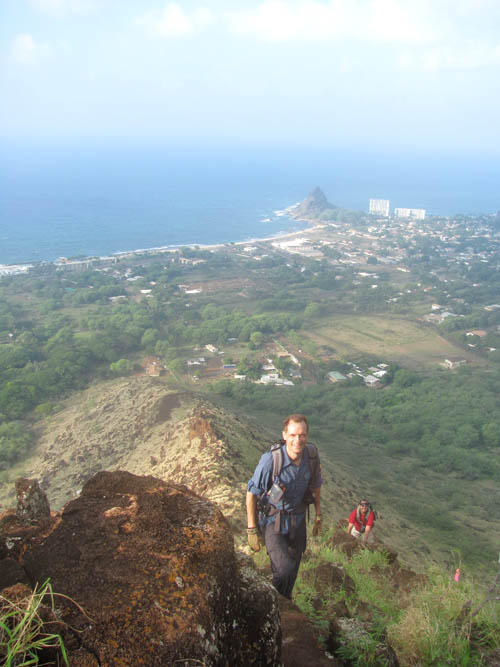 Kamaileunu-Pat-&-Richard-Climbing-Sml