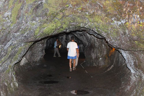 ThurstonLavaTube-Cave-Low-Roof-Sml